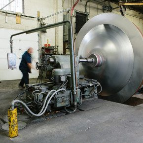 <p>Spinning a 10-ft. flanged and dished head.</p>